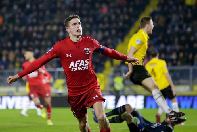 Guus Til viert de 0-2.