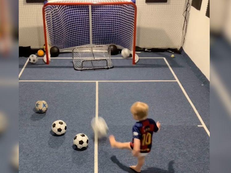 Kleine Noah (2) wil profvoetballer worden en laat niets aan het toeval over