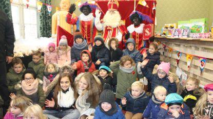 Feestcomité  liet 105 kinderen persoonlijk bij Sinterklaas komen