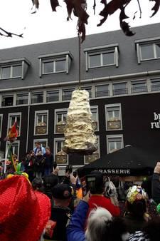 Helmond opent carnaval met Snollebollekes en opgraven kei
