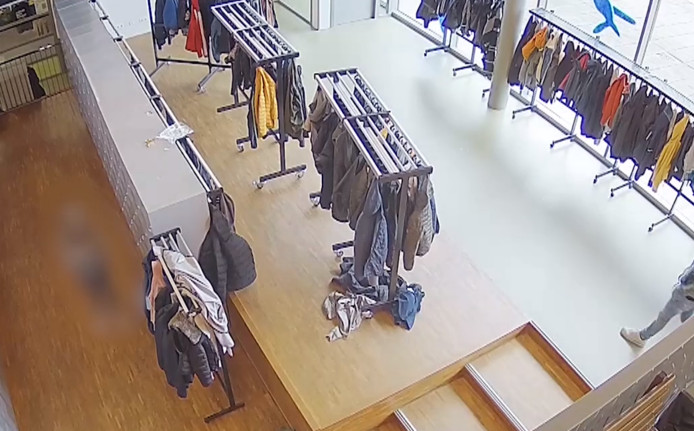 De garderobe waar de knul drie keer toesloeg in Aalten