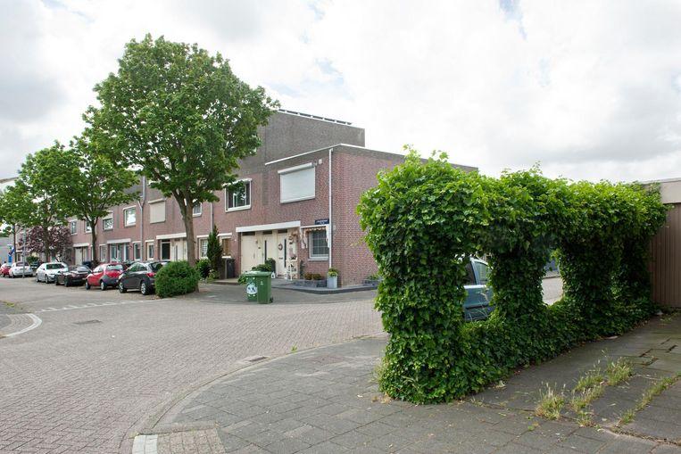 P.A. van Meverstraat/J. Kruijverstraat, Zaandam. Juni 2015: Lucas Boom wordt voor de ogen van tientallen basisschoolleerlingen doodgeschoten Beeld Ko Hage