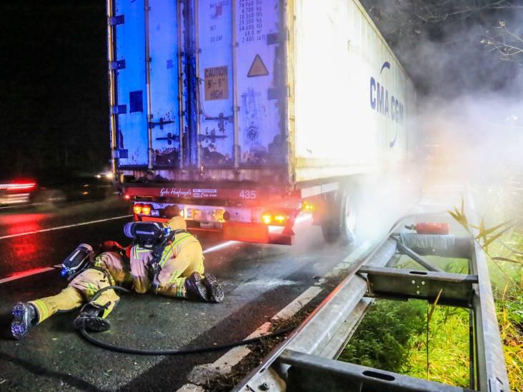 Brandje in vrachtwagen op A67 door vastgelopen remmen