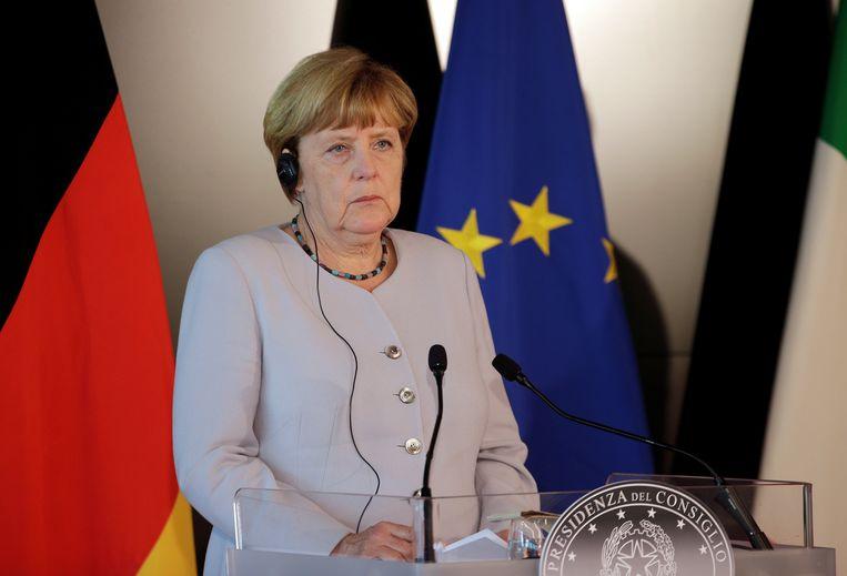 Merkel wil de onderhandelingen, die haar vicekanselier als mislukt omschreef, nog alle kansen geven.
