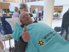 Kippenvel: dankzij ziekenhuis Hardenberg kan Bertus (89) tóch bij begrafenis van zijn Will zijn