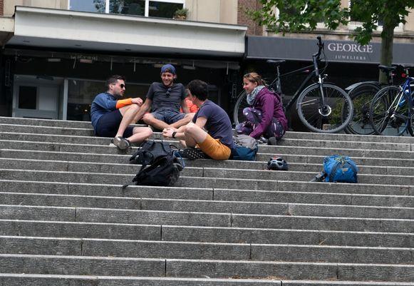 De trappen van Rector De Somerplein. Niet echt volgens de regels van de kunst maar de trappen afsluiten is niet meteen een optie.