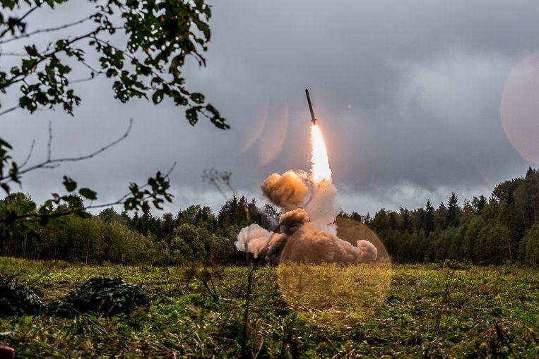 Een foto van een militaire oefening van de Russen in 2017.