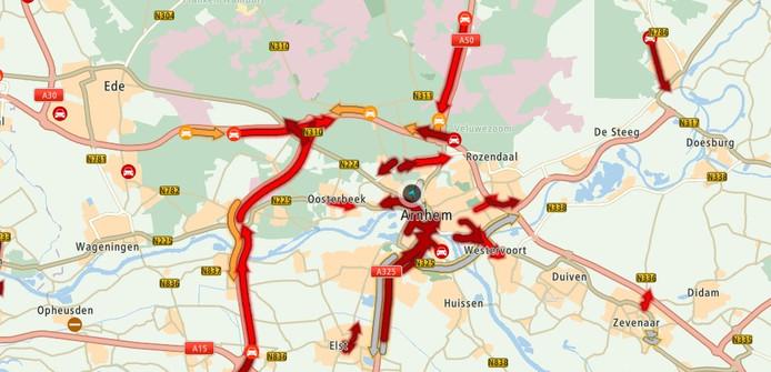 Het wegennet in en rond Arnhem loopt opnieuw vol.