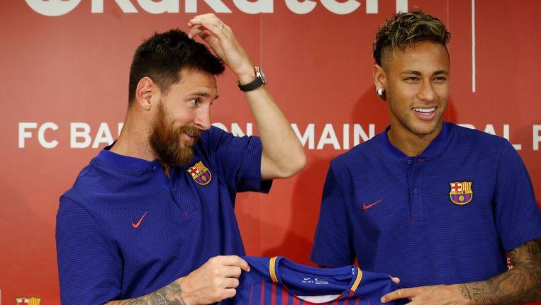 Lionel Messi met Neymar.