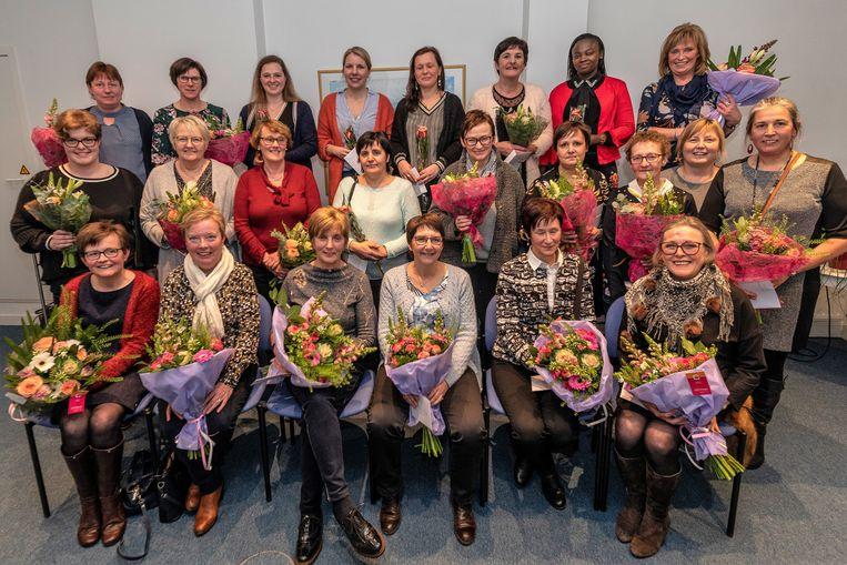 Familiezorg zette het personeel in de bloemetjes tijdens de nieuwjaarsreceptie in het Regiohuis in de Krommewalstraat in Tielt