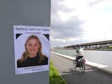 Les amies de Julie exigent une entrevue avec De Wever