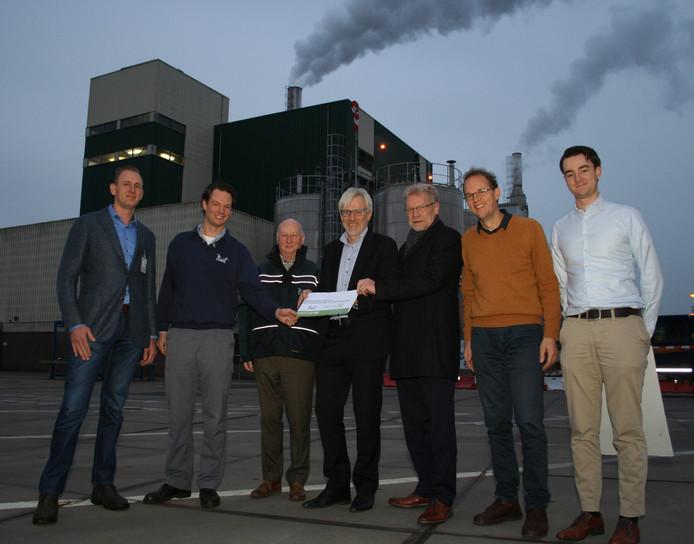 De gemeente Tiel gaat, samen met zoutproducent Niacet, bekijken of het haalbaar is panden te verwarmen met zoutwarmte.