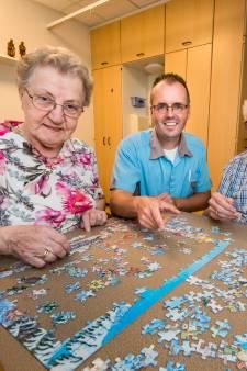 Berty uit Hengelo bezoekt haar demente man elke dag in verpleeghuis