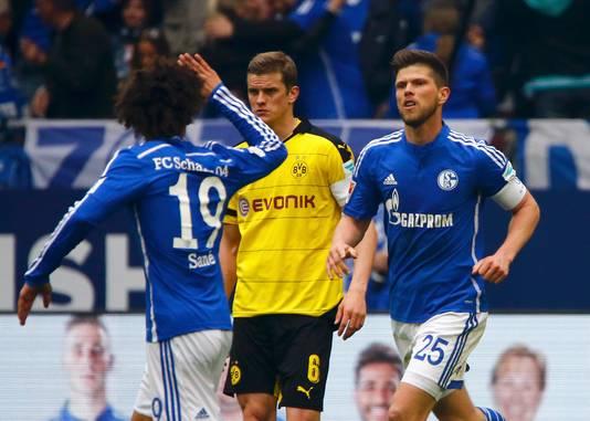 Leroy Sané na een goal tijdens Schalke 04 - Borussia Dortmund op 10 april 2016.