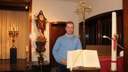 Bisschop wijdt postbode Davy zondag tot diaken