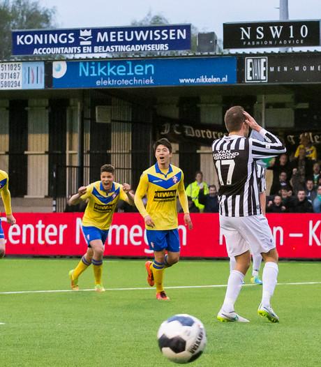 Achilles'29 geeft zege tegen FC Dordrecht in 94ste minuut weg