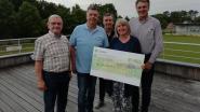 Sinkensencomité schenkt 1.500 euro aan centrum voor kinderzorg De Schommel