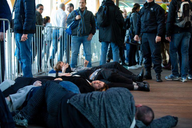 Tientallen actievoerders werden gearresteerd.