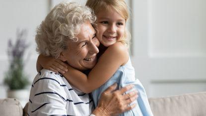"""Kwartier knuffelen met kleinkind? """"Gebruik toch gewoon uw gezond verstand"""""""