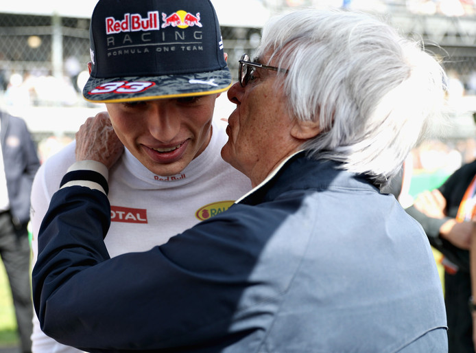 Bernie Ecclestone met Max Verstappen. 'Het beste uithangbord van de Formule 1', aldus de grote baas.