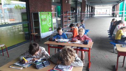 Leerlingen SBS Spoele neemt deel aan buitenlesdag