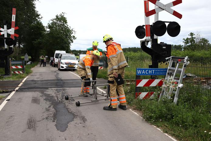 De overweg na het ongeluk bij Beesd