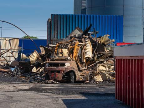 Edink draait gewoon weer door na loodsbrand IJsselmuiden