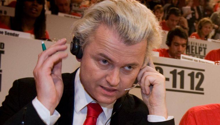 Wilders: 'Dus u wilt overstappen op een nieuwe energieleverancier? Dan gaan wij dat regelen.' Beeld ANP