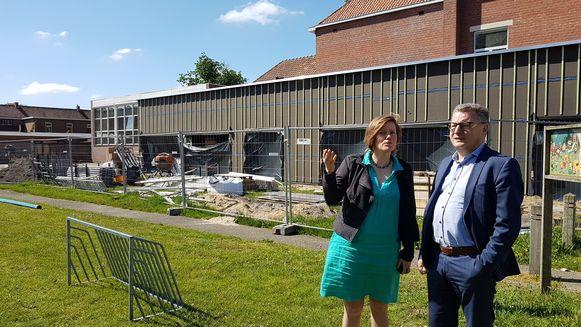Minister Koen Van Den Heuvel kwam in mei nog een bezoek brengen aan de werken.