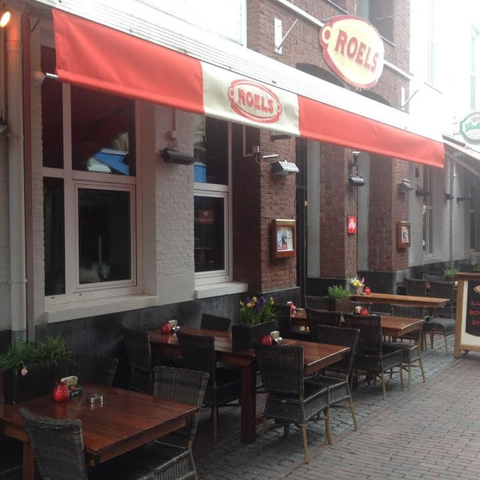 Café Roels in de Korte Putstraat.