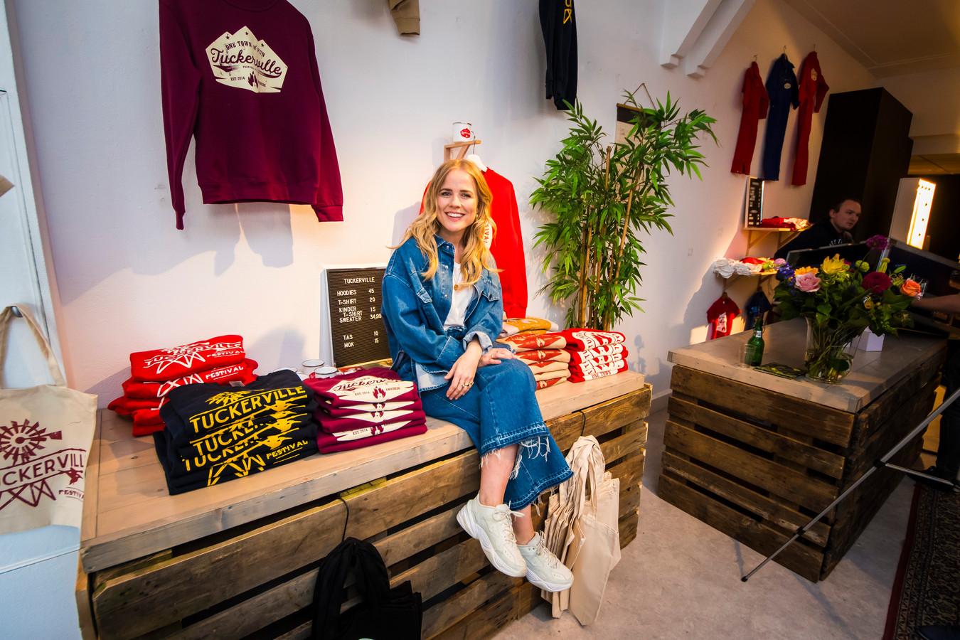 Ilse deLange in haar eigen pop-upstore in hartje Enschede