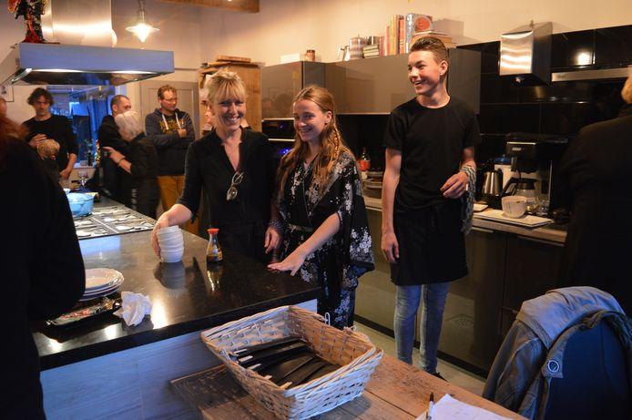 Sushi-night met links Inge Hoogendoorn