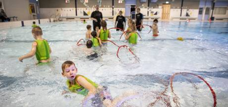 Borne doet per direct zwembad weer op slot