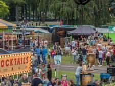Mobiele keuken trekt in Enschede altijd volk naar het park