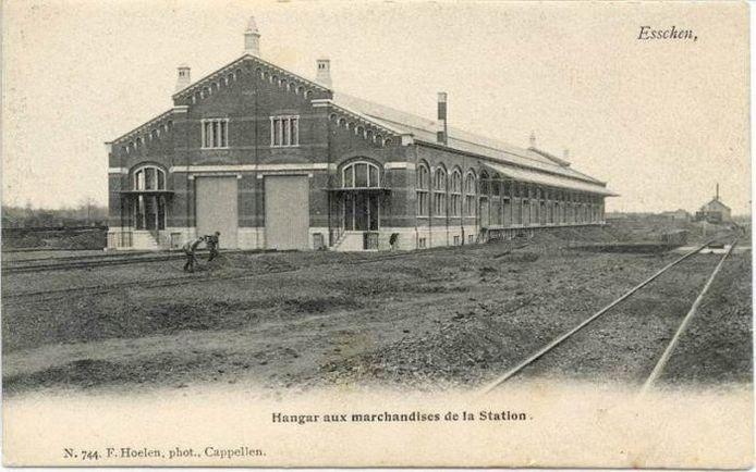 Een oud beeld van de douaneloods in Essen.