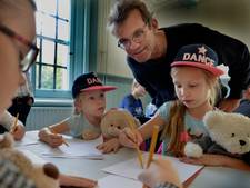 Knuffelberen staan model bij tekenworkshop in Huis Doorn