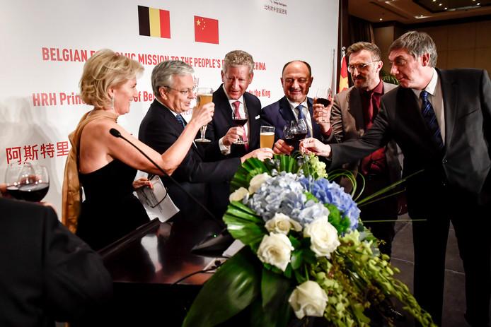 la princesse Astrid, Didier Reynders, Pieter De Crem, Willy Borsus, Pascal Smet et Jan Jambon en Chine.