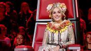 Bloemenkransen en paarse dreadlocks: de gekste outfits van Josje in The Voice Kids