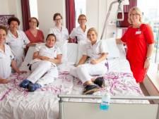Speciale ziekenhuisbedden brengen geliefden dankzij sponsorgeld bij elkaar