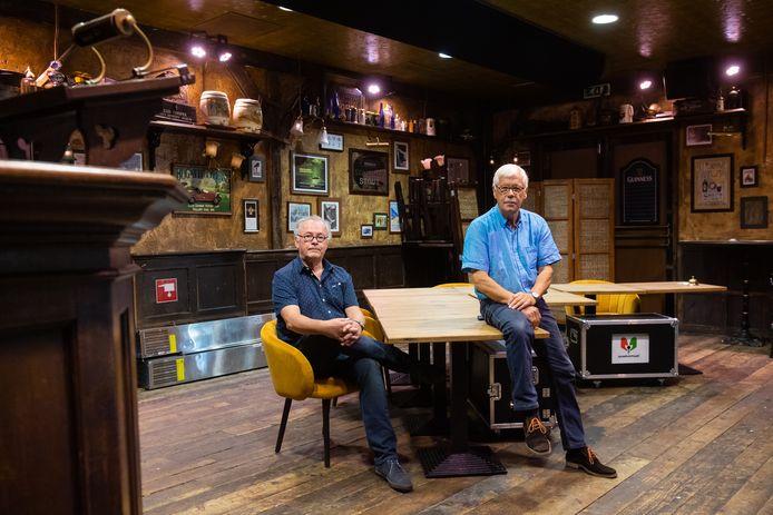Wim Smetsers (L) en Dik van Beest in de setting van Spraakvermaak zoals deze online zal worden uitgezonden.
