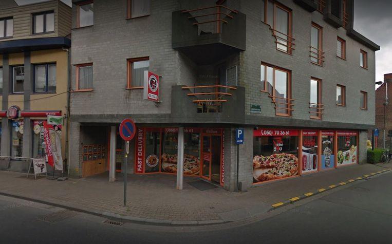 Pizza Di Trevi is gelegen langs de Oostendestraat.