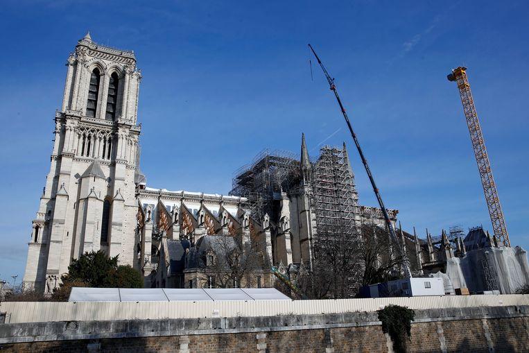 De Notre-Dame staat in de steigers. Beeld Getty Images