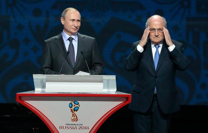 Sepp Blatter in 2015 bij een toespraak van Vladimir Poetin.