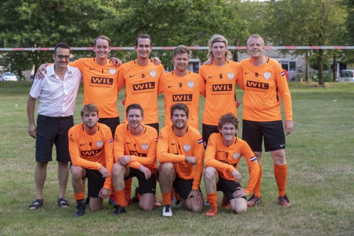 Het Bennekomse Oranje dat deelneemt aan het WK Vuistbal