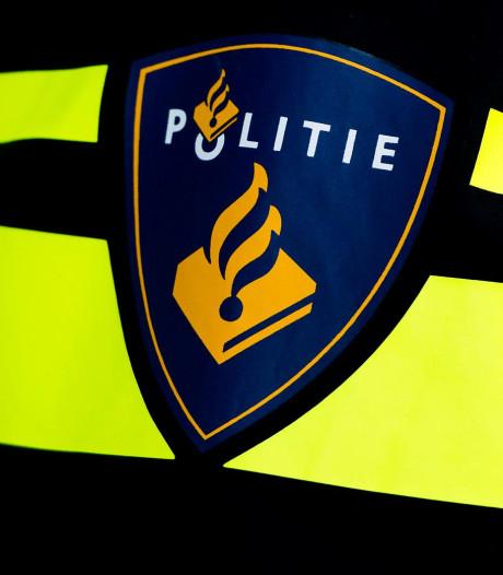 Acht politiemensen krijgen straf in kaartjesrel