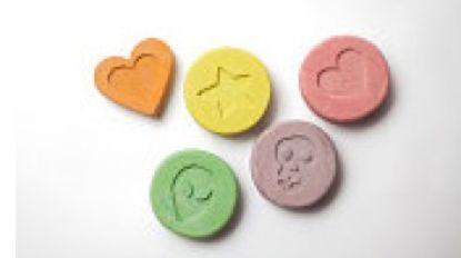 """Drugsdealer (27) doet na voorleiding bij onderzoeksrechter gewoon verder: """"12 maanden effectief'"""
