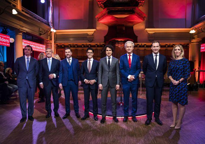 De deelnemers aan het eerder gehouden RTL Verkiezingsdebat in de Rode Hoed
