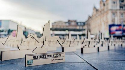 """Vluchtelingenwerk Vlaanderen: """"Houten beeldjes als symbool voor vluchtelingen die stierven op zee"""""""