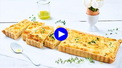 Deze frisse groentepizza met witte asperges in de hoofdrol doet je de klassieke margherita zo vergeten