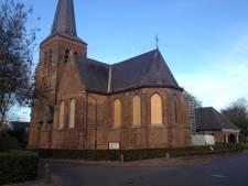 Ramen Oude Kerk in Helvoirt zijn dichtgetimmerd, restauratie volgt
